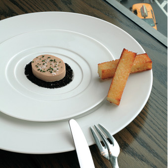 Dessert Plate with Concentric Ovals
