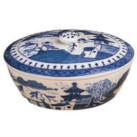 Blue Canton Oval Box | Gracious Style