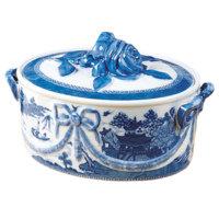 Blue Canton Covered Casserole | Gracious Style