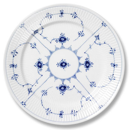 Blue Fluted Dinnerware  sc 1 st  Gracious Style & Royal Copenhagenu0027s Handpainted Blue and White Dinnerware | Gracious ...
