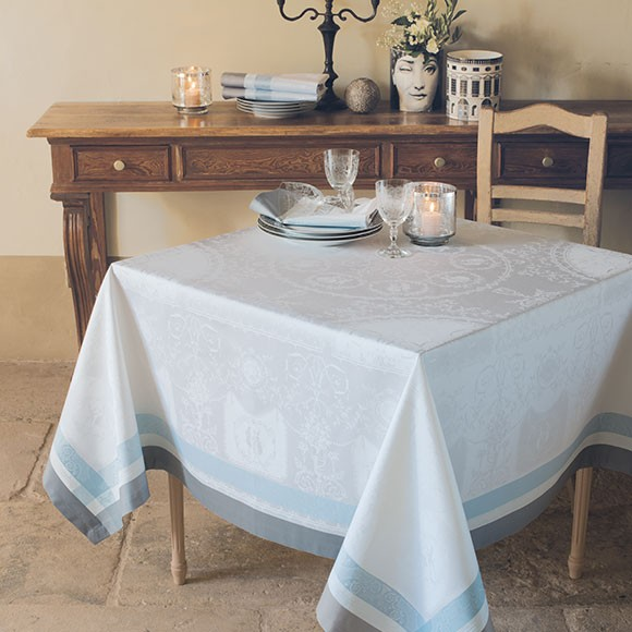 Stain Resistant Linens