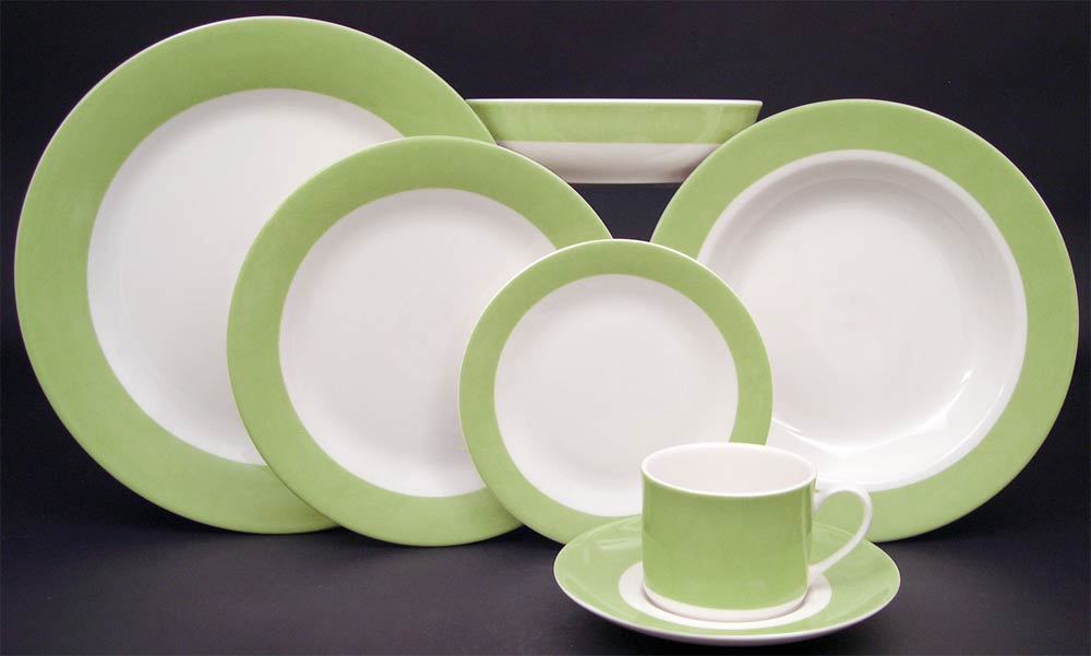 : green and white dinnerware - pezcame.com