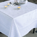 Eloise Diamant Green Sweet Stain-Resistant Damask Table Linens | Gracious Style