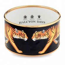 Magnificent Wildlife Tiger Black Gold Cuff | Gracious Style