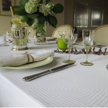 Tokyo Easy Care Table Linens, White | Gracious Style