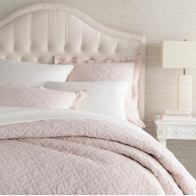 Washed Linen Slipper Pink Bedding | Gracious Style