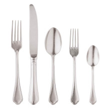 Filet Toiras Vintage Flatware | Gracious Style