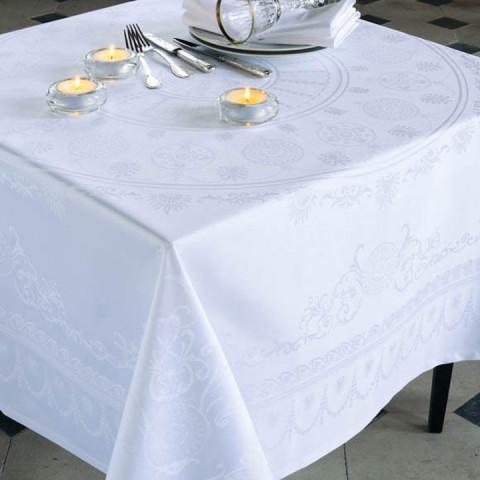 "Eloise Diamant Tablecloth 96"" Round, 100% Cotton, Green Sweet   Gracious Style"