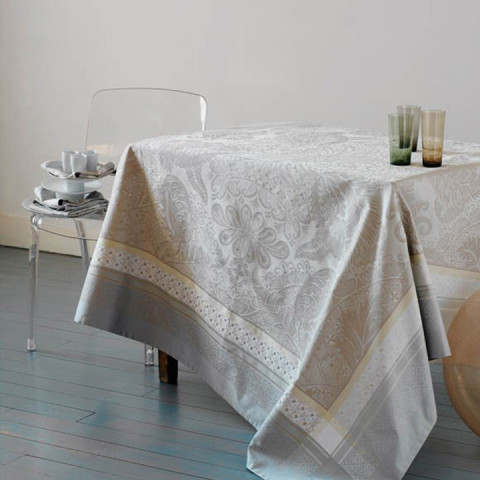 Isaphire Platine Green Sweet Stain-Resistant Damask Table Linens | Gracious Style