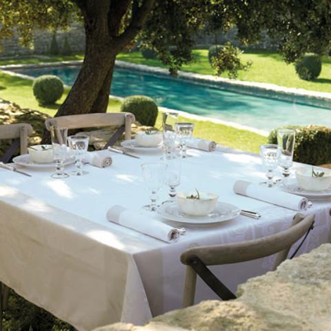 Venezia Ivory Damask Table Linens | Gracious Style