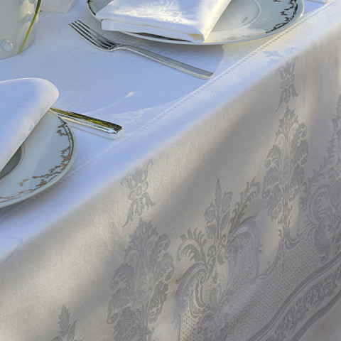 "Beauregard White Tablecloth 93"" Round, 100% Cotton 