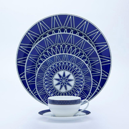 Blue Star 5 Piece Place Setting | Gracious Style