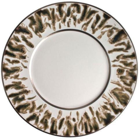 Cream Scale Platinum Dinnerware | Gracious Style