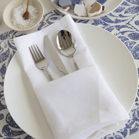 Pure Linen 22 x 22 in Napkins White, Set of Four | Gracious Style