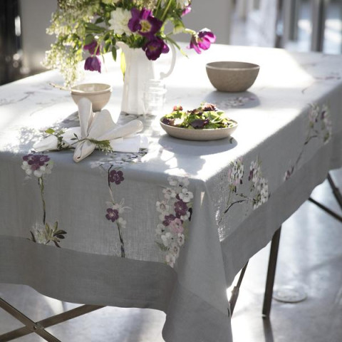 Positano Stain-Resistant Print Table Linens | Gracious Style