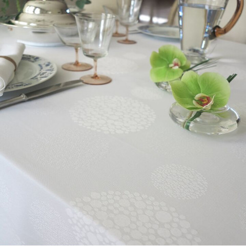 Sydney White Stain-Resistant Damask Table Linens | Gracious Style