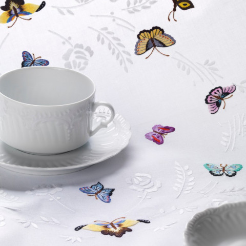 L'Envolee White Embroidered Table Linens | Gracious Style