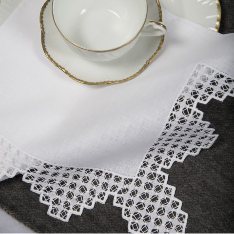 Richelieu White Embroidered Table Linens | Gracious Style
